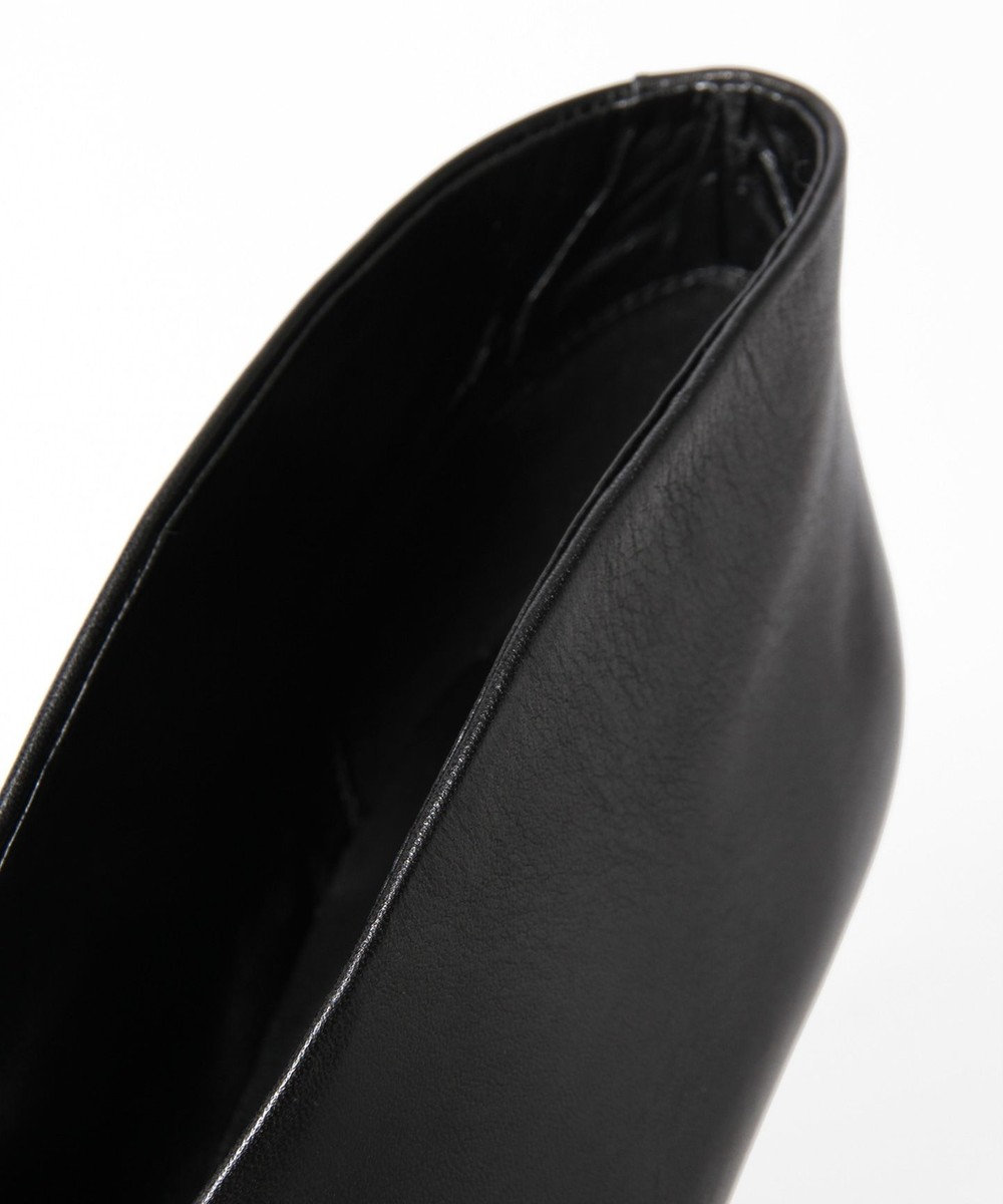 GRACE CONTINENTAL Vカットショートブーツ ブラック