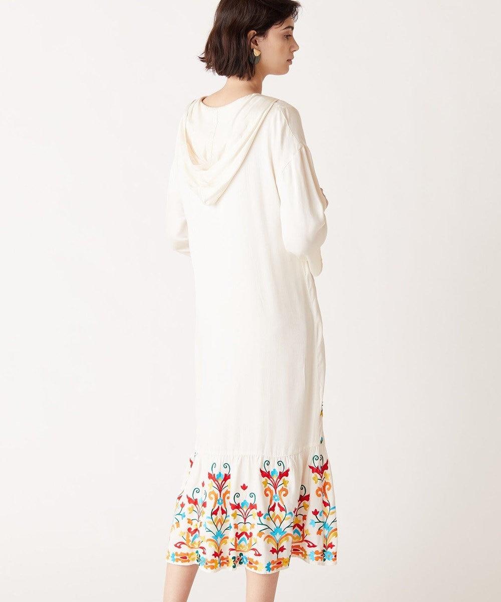 GRACE CONTINENTAL フード刺繍ロングワンピース キナリ