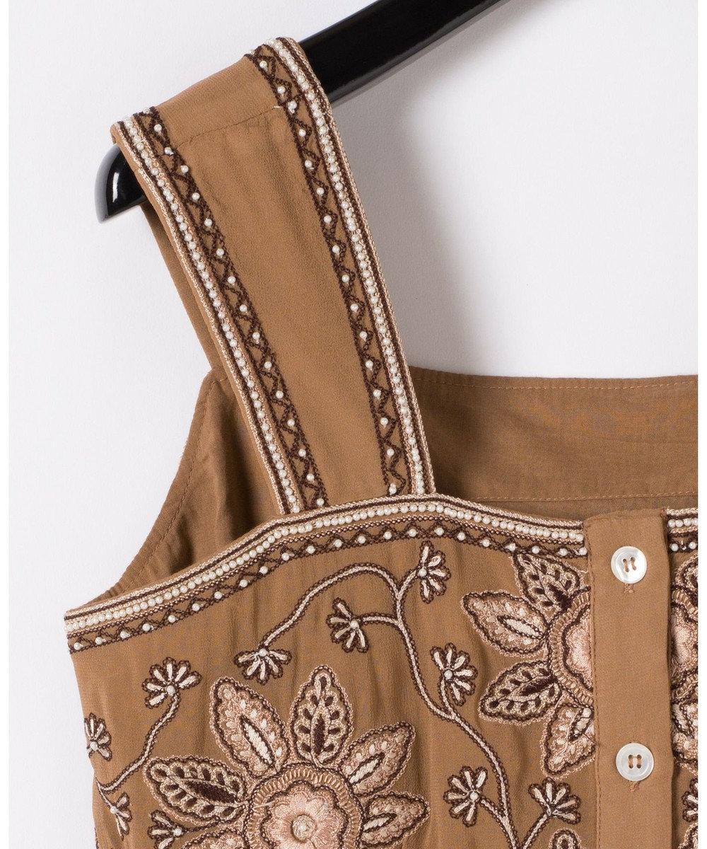 GRACE CONTINENTAL フラワー刺繍ショートノースリーブ ブラウン