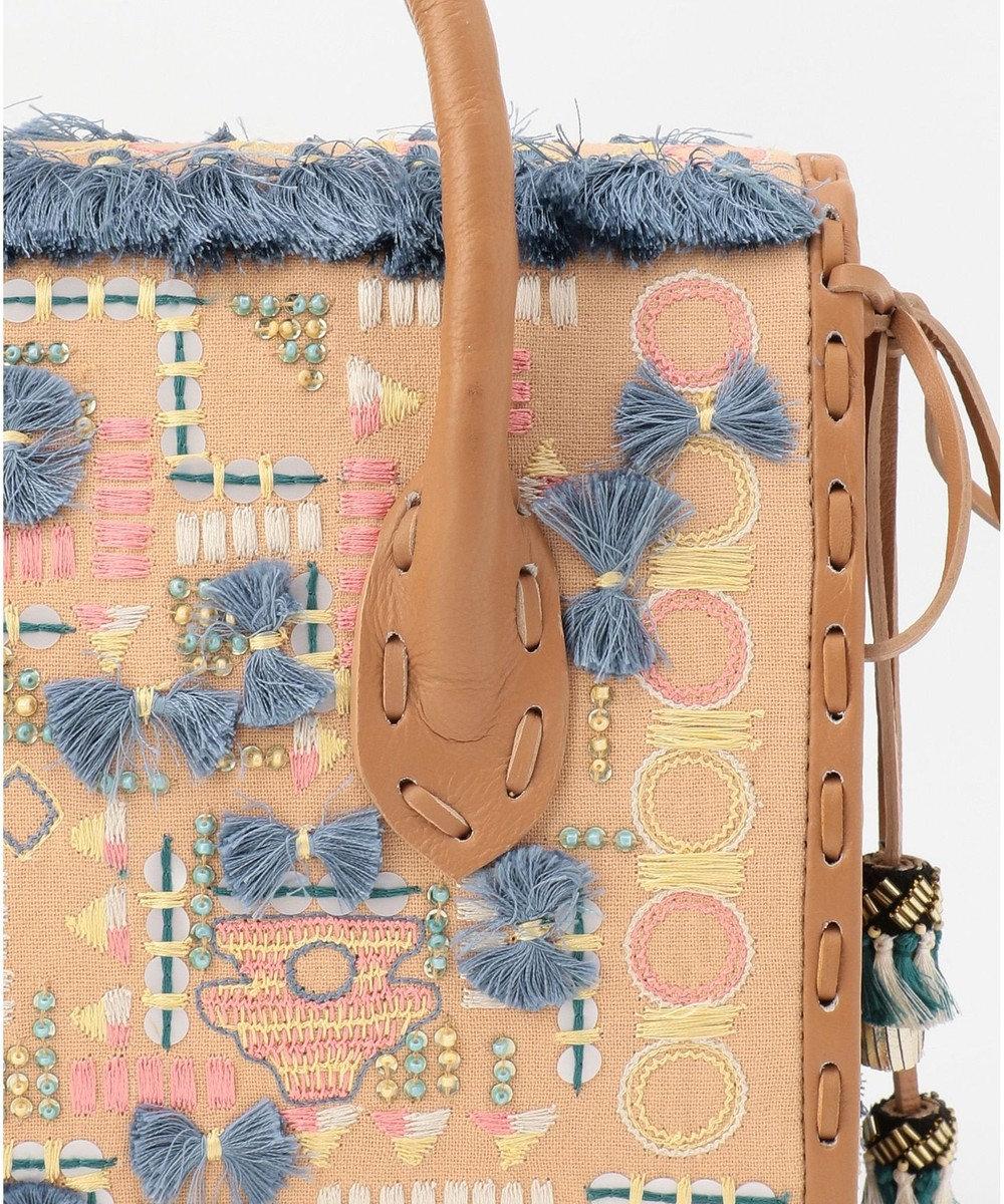 GRACE CONTINENTAL MSマルチ刺繍バッグ6 ベージュ