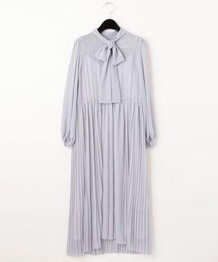 ボウタイプリーツドレス