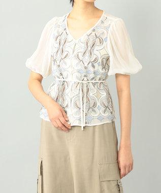 パフスリーブ刺繍ブラウス